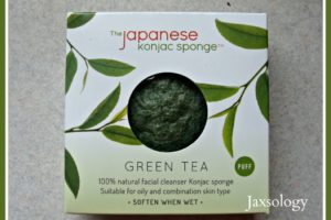 3 Reasons to Use a Japanese Konjac Facial Sponge with Green Tea Review