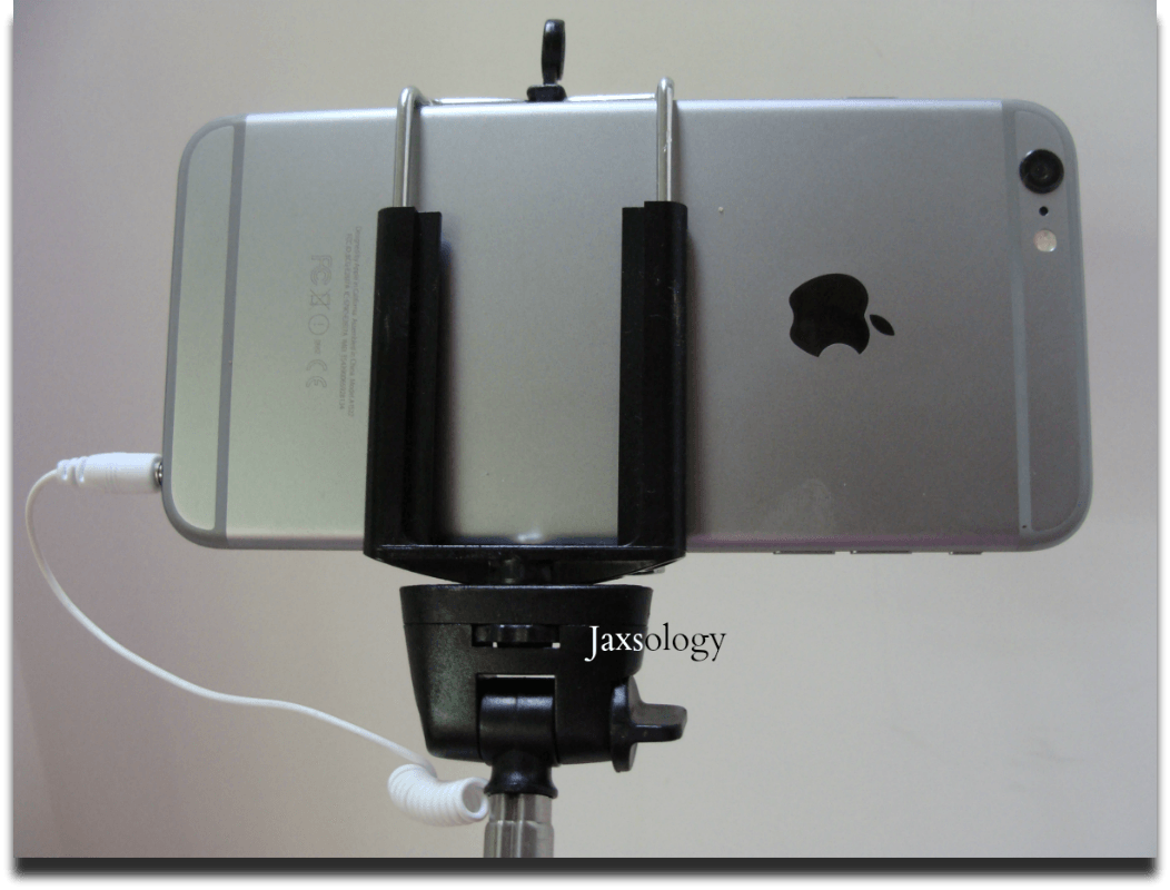 Selfie Stick Monopod with iPhone 6 Plus